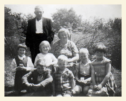 Margaret, her two siblings and three cousins and her grandparents